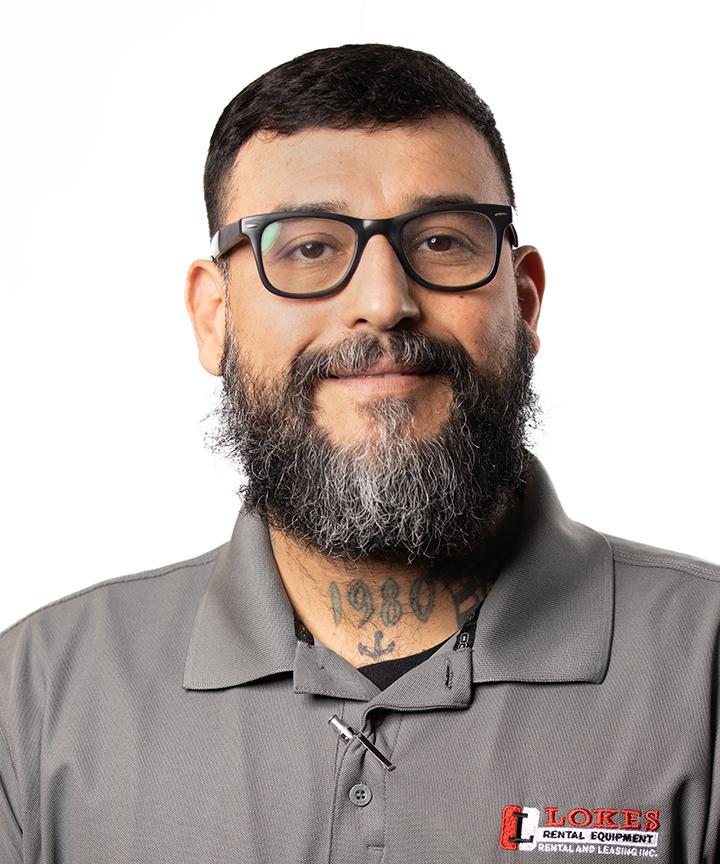 Employee headshot of Ruben Hernandez